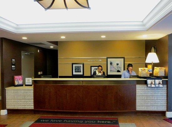 Hampton Inn NY - JFK: Reception