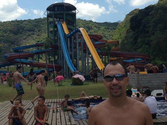 Juquitiba, SP: Unicos toboaguas que não funcionam