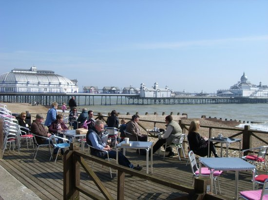 Best Western York House Hotel: Eastbourne pier and prom.,