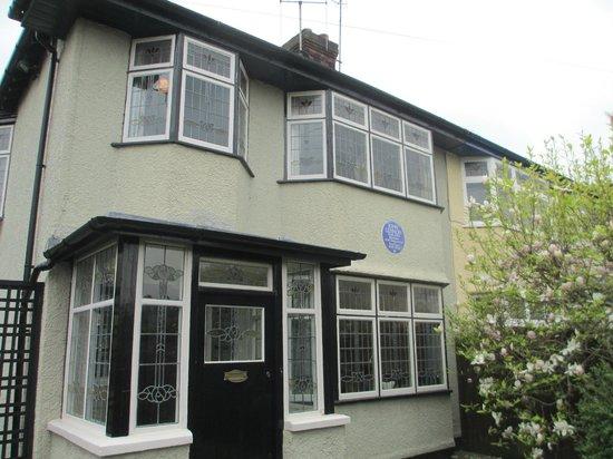 Mendips - John Lennon Home: Aunt Mimi's house where John grew up.
