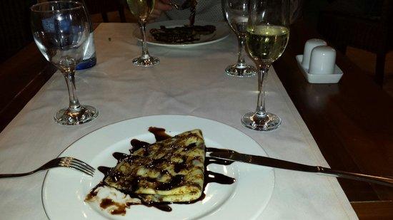 Sandos San Blas Nature Resort & Golf: Crepes and cava!