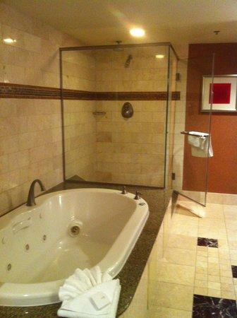 Rio All-Suite Hotel & Casino: jacuzzi tub