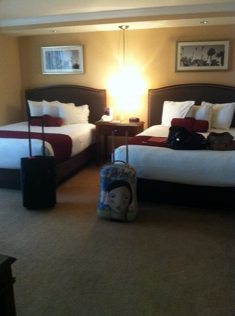Rio All-Suite Hotel & Casino: 2 queen size beds, not crowded