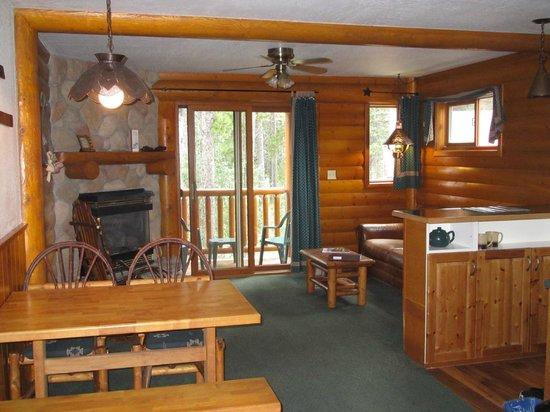 Baker Creek Mountain Resort : one BR cabin in lodge- very quiet