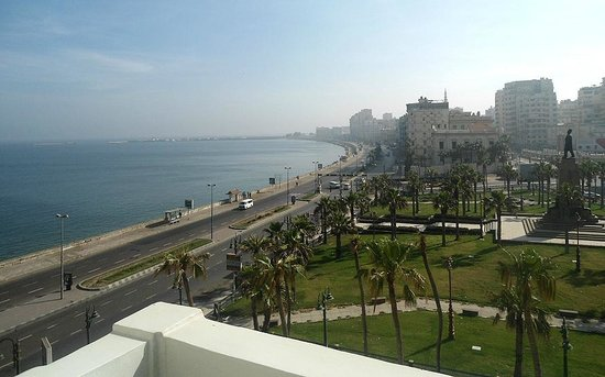 Steigenberger Cecil Hotel : The view from my room's balcony at Cecil Sofitel, Alexandria
