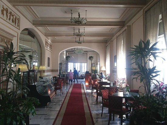 Steigenberger Cecil Hotel : The dining area at Cecil Sofitel, Alexandria