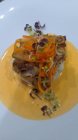 Etoile des Mers : Cabillaud en croûte d'herbes, velouté butternut.
