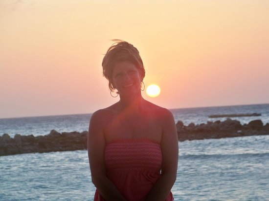 Divi Aruba Phoenix Beach Resort: Beautiful Sunset Every Night