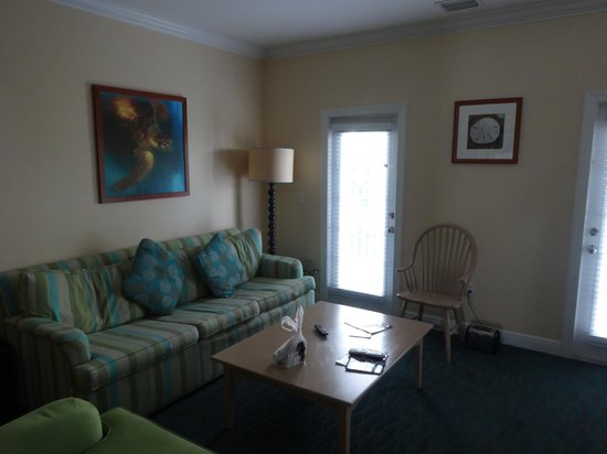 Parrot Key Hotel and Resort: Living room