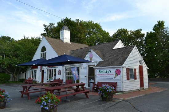 Smitty's Homemade Ice Cream: Smitty's ice-cream parlour