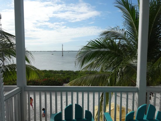Parrot Key Hotel and Resort: Balcony off of master bedroom