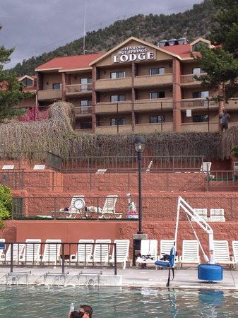 Glenwood Hot Springs Pool : Lodge and therapy pool