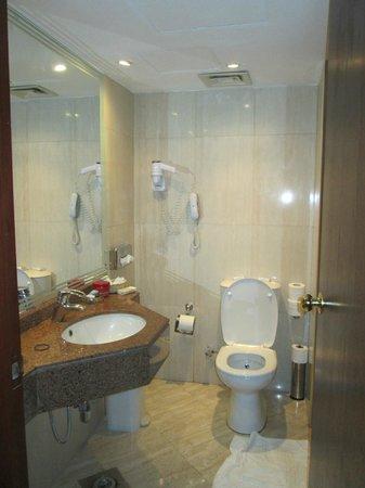 SUNRISE Holidays Resort : Bathroom