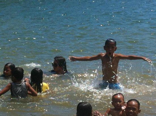 Palawan Mangrove Resort : river swimming