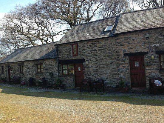 Maes Madog Farm Cottages: The cottages
