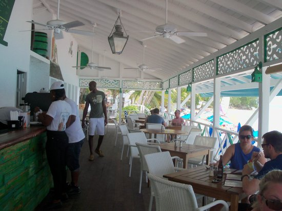 Mullins Beach Bar: The bar area