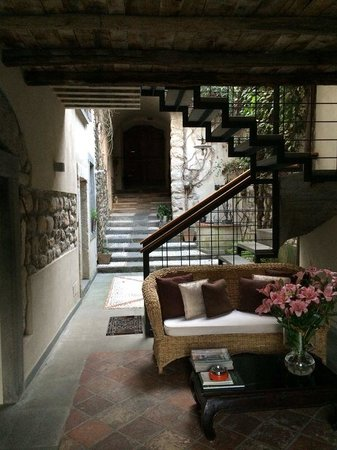 Bed & Breakfast Casa del Nonno : Uno scorcio del cortile interno