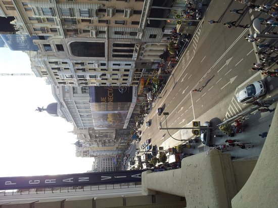 Praktik Metropol : The view from our room balcony on Gran Via Street