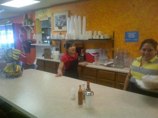La Fuente Restaurant: Staff always friendly & efficient
