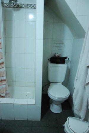 Casaltura The Boutique Hostel : N'allez pas aux toilettes debout