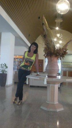 Kissos Hotel : В холле отеля