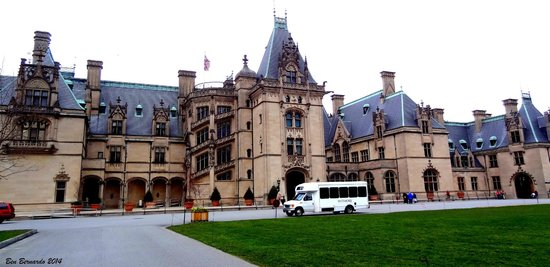 Biltmore Estate : Beautiful, one of a kind setting. One you have to see in your lifetime.