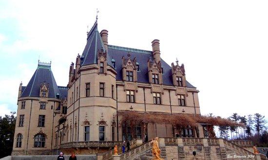 Biltmore Estate : Majestic, unbelievably massive mansion!