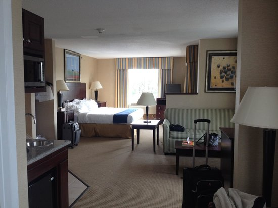 Holiday Inn Express Hotel & Suites Cincinnati: One view of our room 323