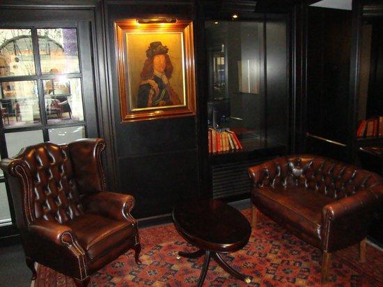 First Hotel Kong Frederik: Холл