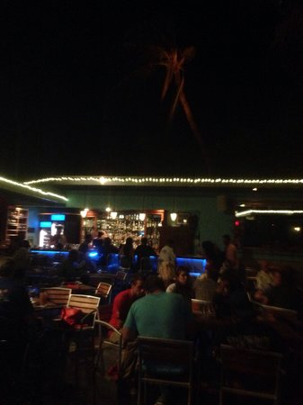 Blue Dragon Coastal Cuisine & Musiquarium: Open air, no ceiling! Very laid back!