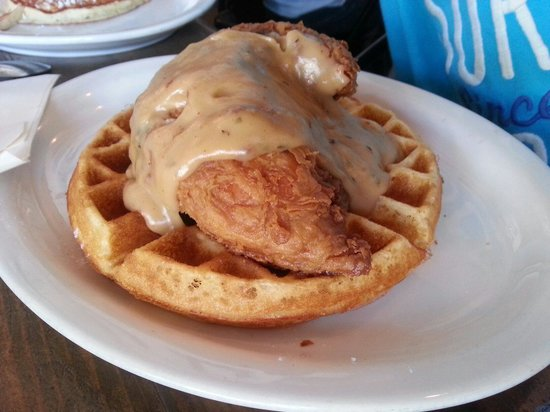 Abi-Haus: Chicken and waffles