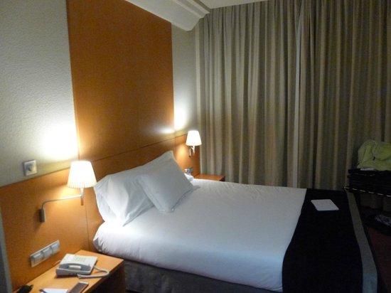 Silken Al-Andalus Palace Hotel: Habitación
