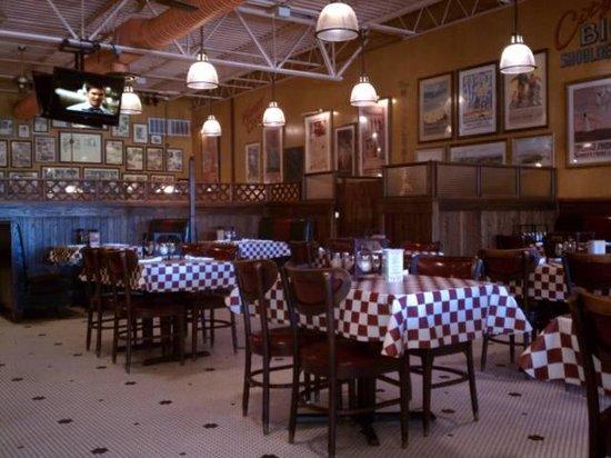 Giordano's : Dinning Room