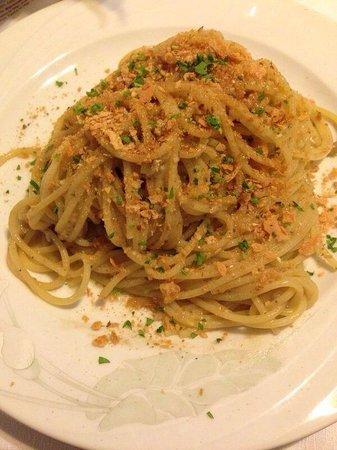 Trattoria Tripoli: Spaghetti alla siciliana,con acciughe fresche.