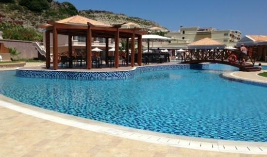 La Marquise Luxury Resort Complex : die Poolbar im Erwachsenenbereich