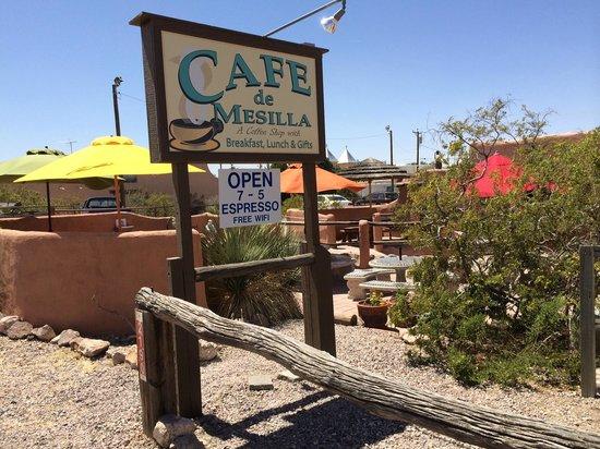 Cafe de Mesilla: from Avenide de Mesilla, the courtyard in front of the cafe.