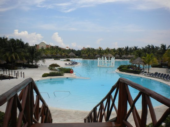 Grand Palladium Colonial Resort & Spa : One of the main pools