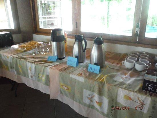 Villa Acacia: breakfast table set up