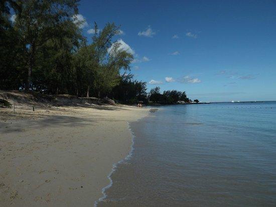 Mont Choisy Coral Azur Beach Resort : spiaggia