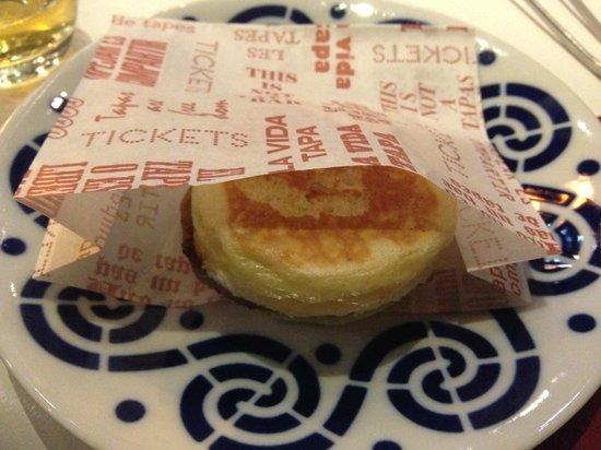 """Tickets: Delicious """"mollete"""" with ham"""