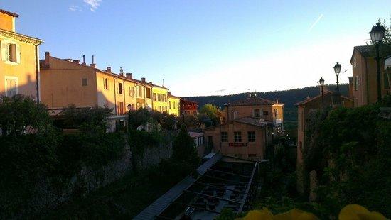 Restaurant La Treille Muscate : Vue de la terrasse basse