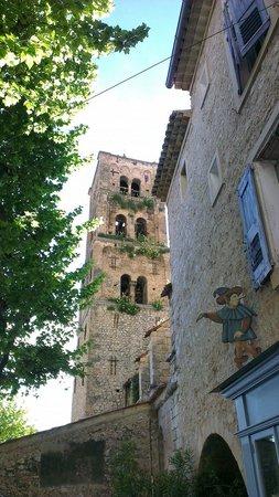 Restaurant La Treille Muscate : Clocher de l'église à 2 pas du restaurant.