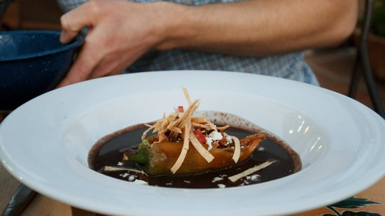 La Olla Restaurant : pork-stuffed chili