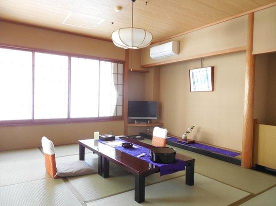 Nishino Miyabi Tokiwa: きれいな客室