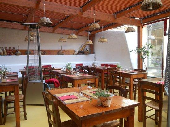 Inn Bufalito Taverna Mediterranea: locale