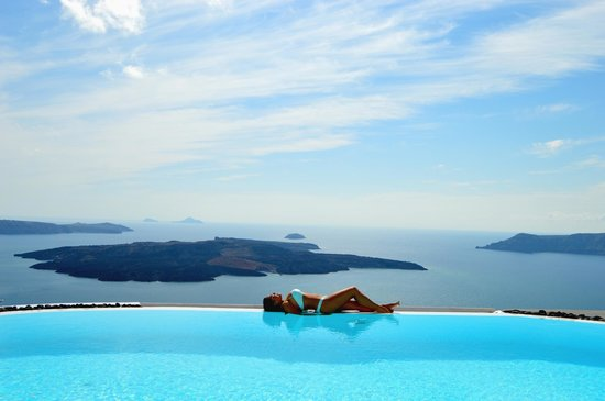 Alta Vista Suites : The pool overlooking the Aegean Sea