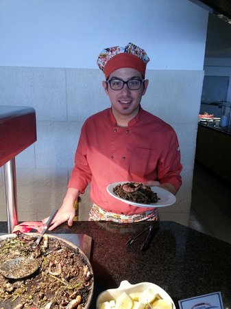 Hotel Amic Horizonte: El gran chef Lorenzo!!