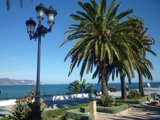 Hotel Perla Marina: Balcon de Europa.