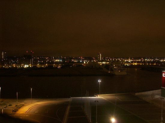 Aloft London Excel: the bright lights of London Town