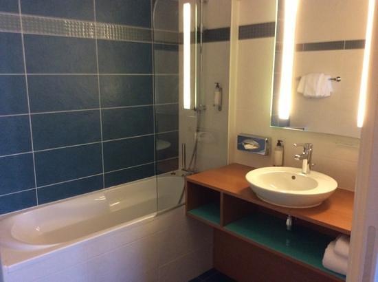 Best Western Plus Hotel De La Regate : salle de bain chambre 11